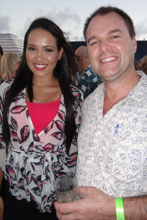 Miss Aruba with author Daniel Putkowski