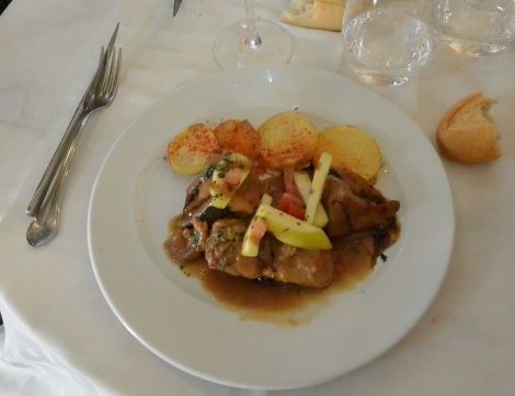 Chicken with apple glaze at Restaurante Corillo, Salamanca, Spain.
