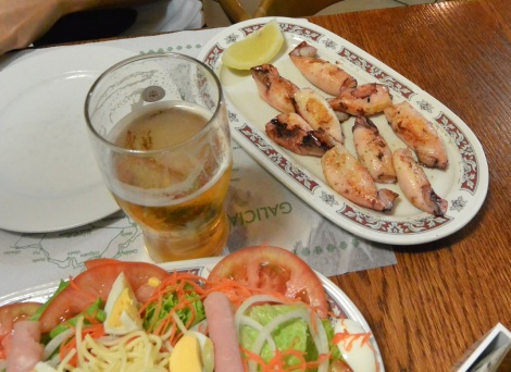 Chipirones, beer, and salad at Cerveceria Rua Bella, Santiago de Compostela, Spain.