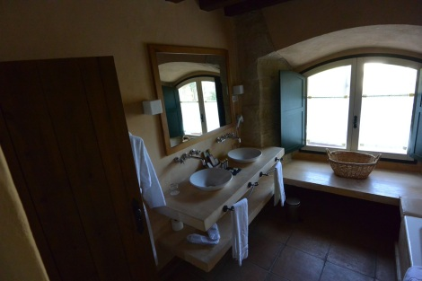 Bathroom in standard room at Hacienda Zorita, Valverdón, Spain.