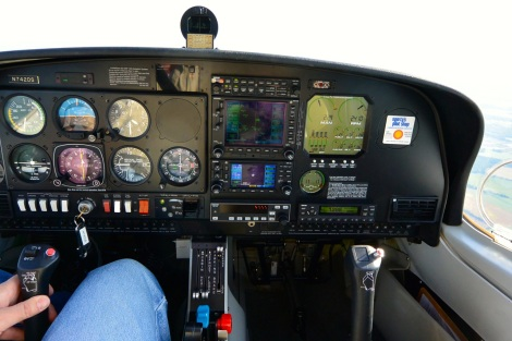 Instrument panel of a Diamond DA-40.